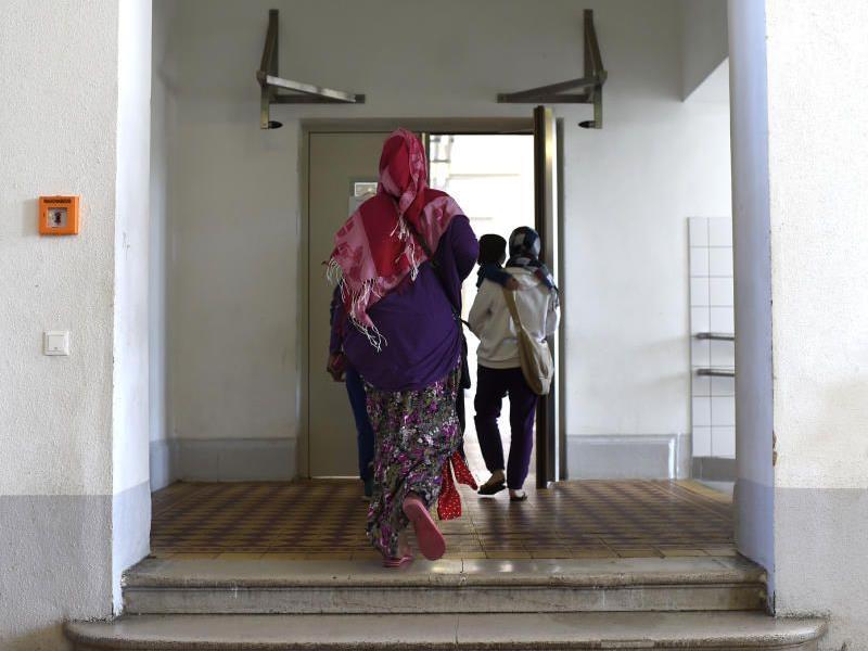 In den Unterkünften werden sexuelle Übergriffe auf Frauen befürchtet.