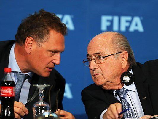 Blatter (r.) muss nun Taten folgen lassen