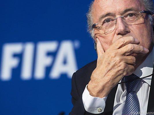 Blatter denkt nicht an sofortigen Rücktritt