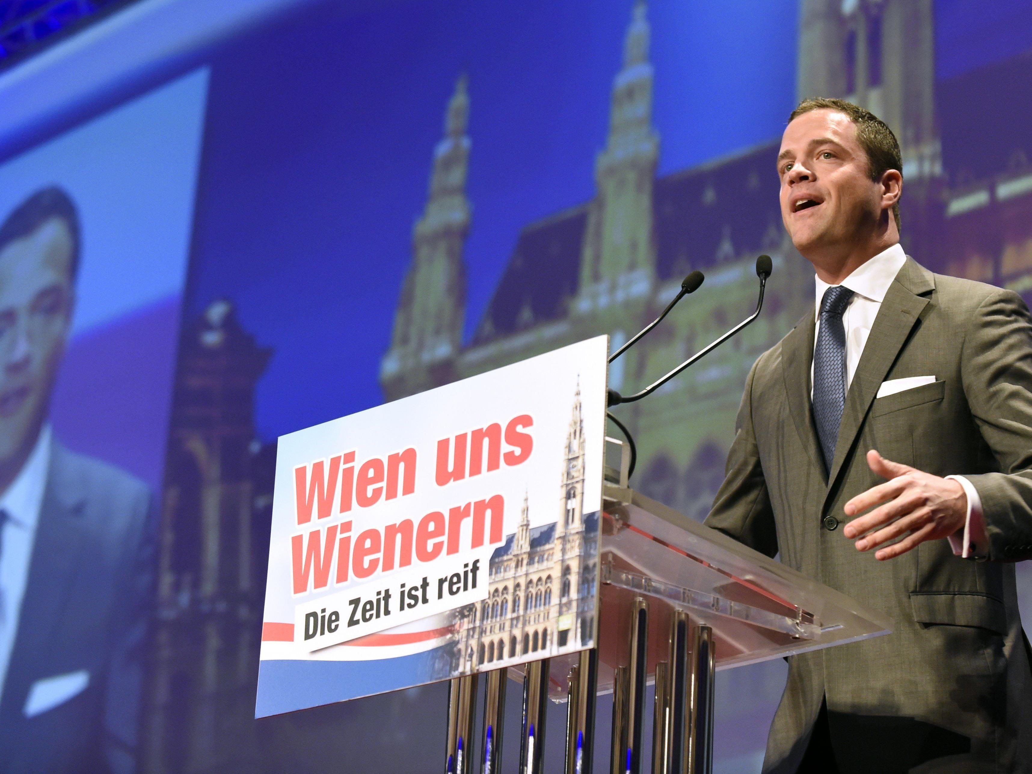 Johann Gudenus und die FPÖ zogen sogar aus dem Saal aus.