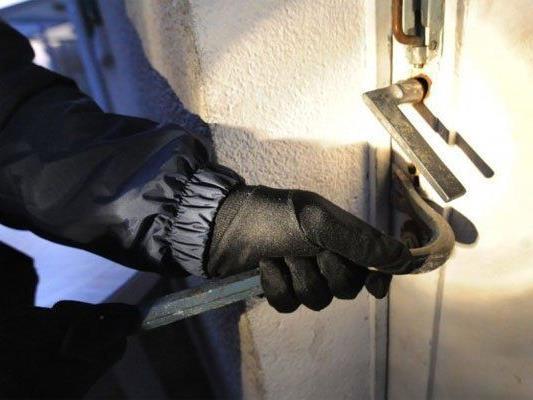 Die Polizei nahm zwei mutmaßliche Einbrecher fest