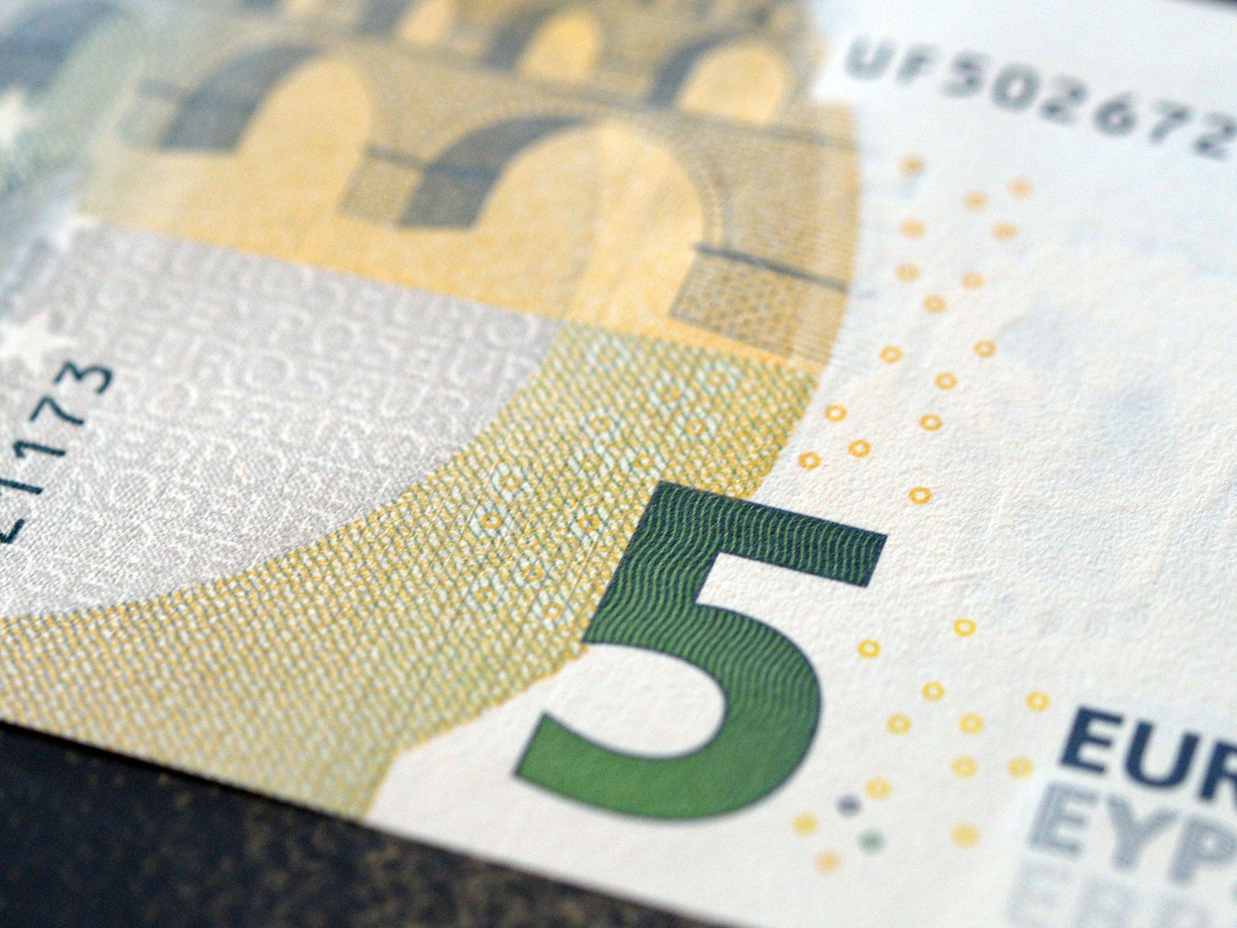 Fünf Euro sollen Schuld an dem Streit gewesen sein.