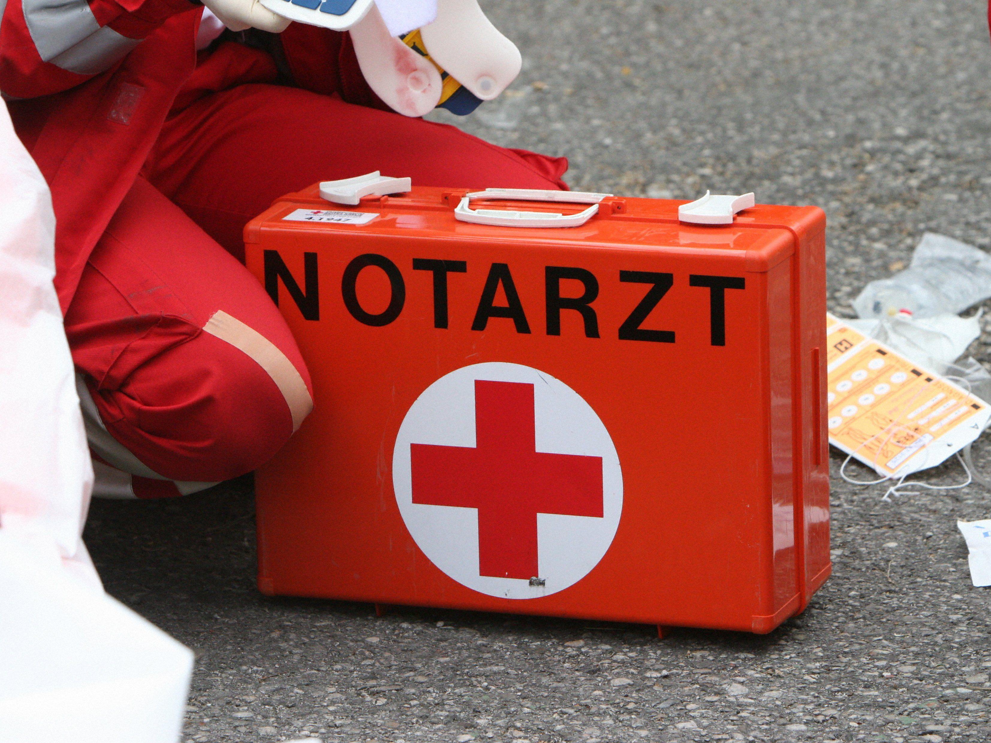 Ein 41-jähriger Mann wurde nach einem Unfall in Gerasdorf ins AKH nach Wien geflogen.