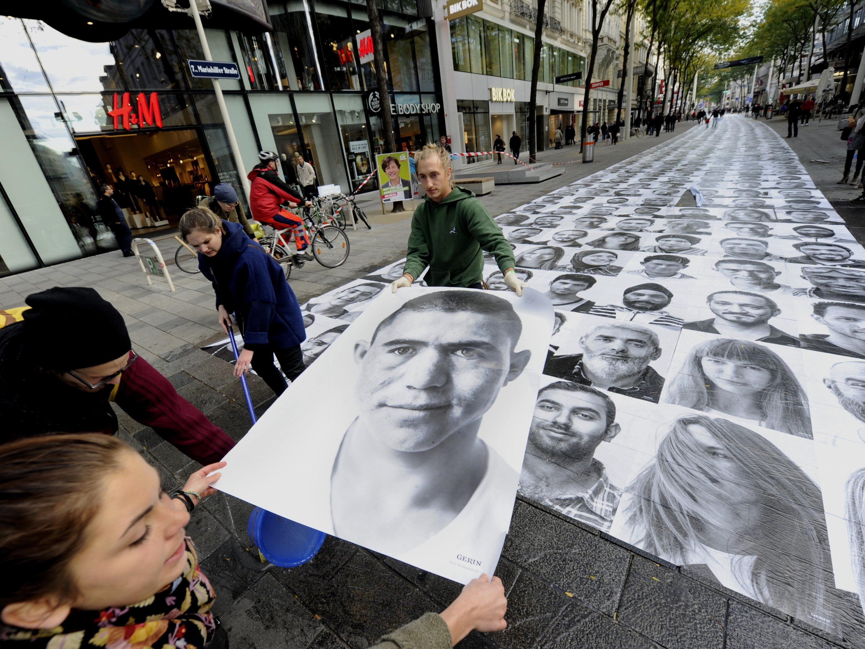 "Flüchtlinge - Fotoporträts auf Mariahilfer Straße als ""Walk of Fame"""