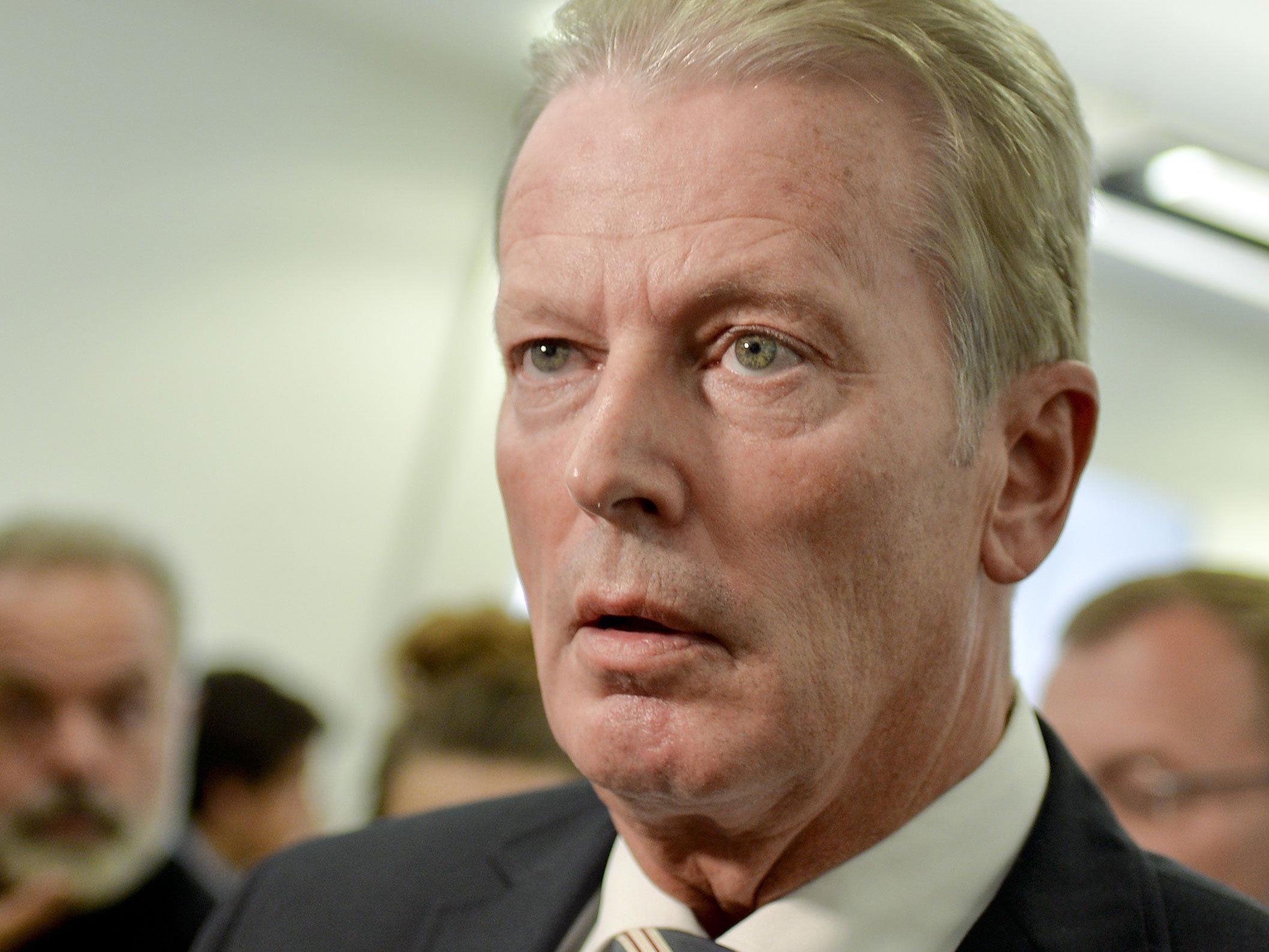 Mitterlehner gibt den Umfragen die Schuld an der Niederlage der Wiener ÖVP.