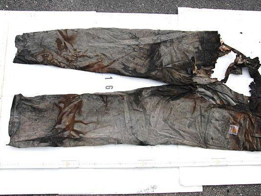 Kleidungsstücke wurden nach dem Brand in Wien-Favoriten geborgen