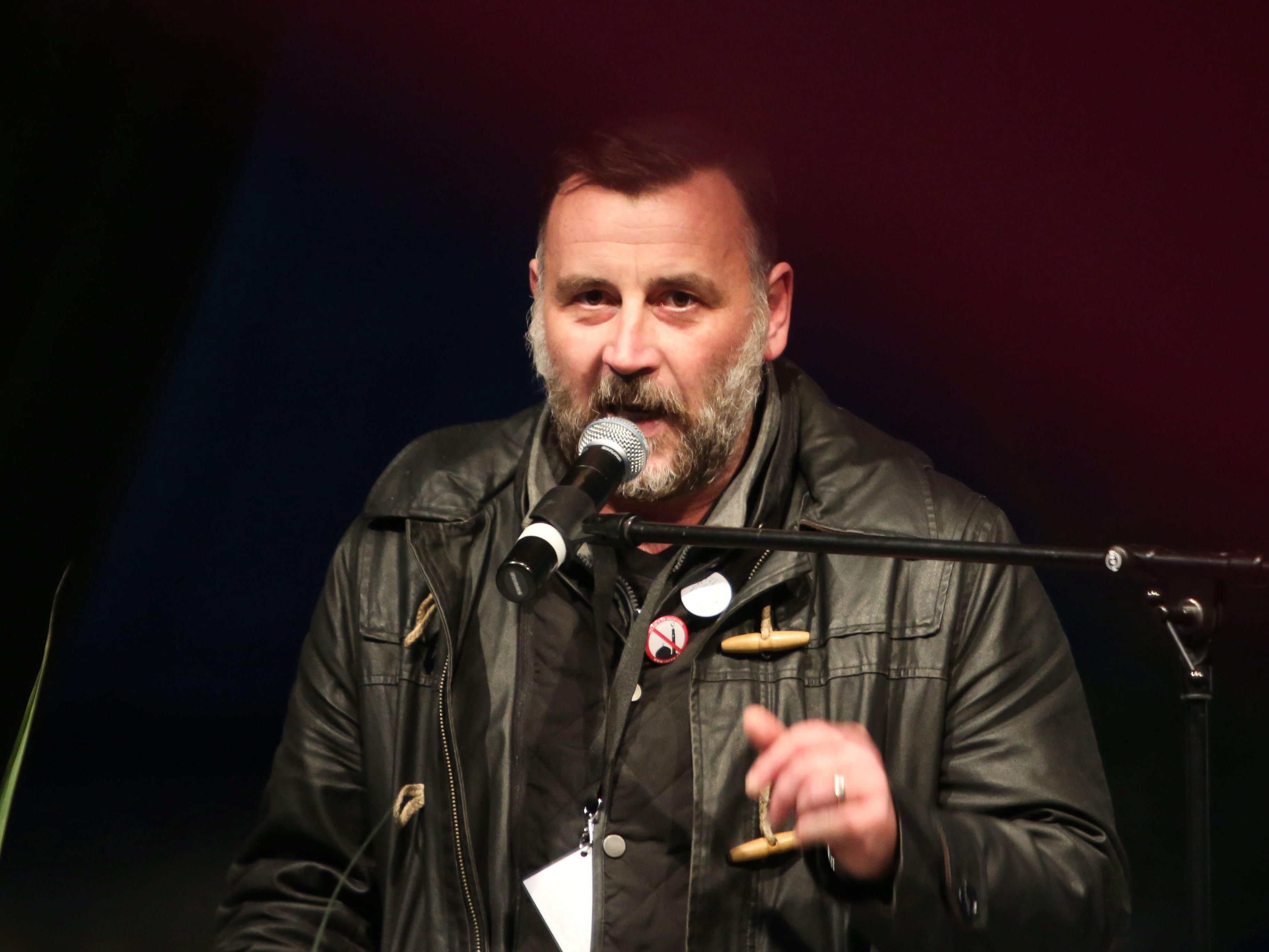 """""""Gravierender Fehler"""" - KZ-Rede sorgt für Eklat - Staatsanwaltschaft ermittelt."""