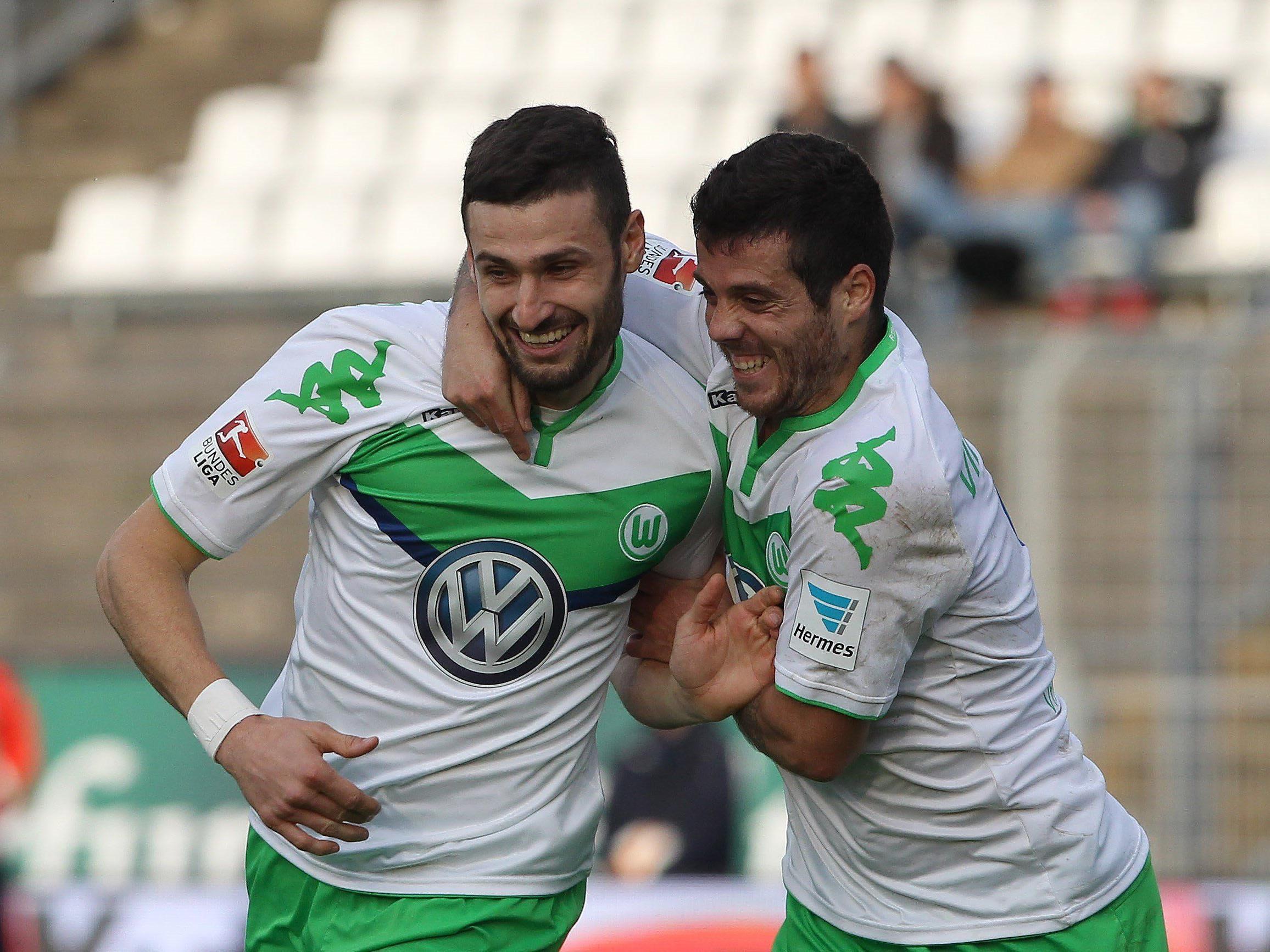 Die Abend-Partie am Samstag: Wolfsburg gegen Leverkusen.