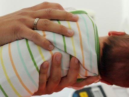 Rettungssanitäter halfen bei der Geburt von Klein Hong Yu-Thomas