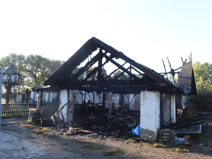 Das Lokal ist völlig abgebrannt.
