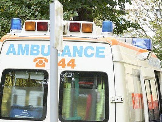 Der Mann wurde nach der Attacke ins Spital gebracht.