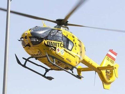 Beide Unfallopfer wurden ins Universitätsklinikum St. Pölten eingeliefert.