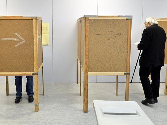 In einem Wahllokal in Ottakring im Rahmen der Gemeinderats- und Landtagswahl in Wien