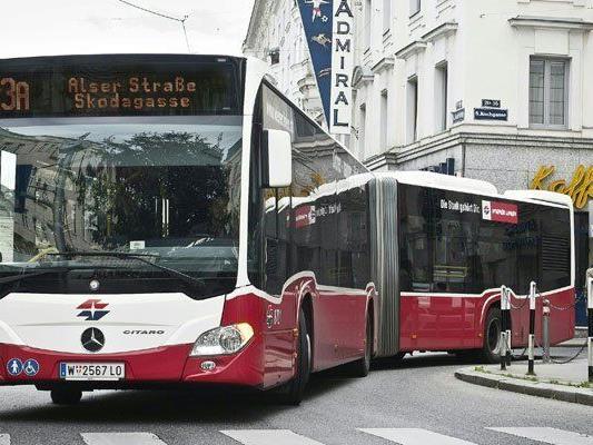 In einem Bus der Linie 13A kam es zu einem Diebstahl