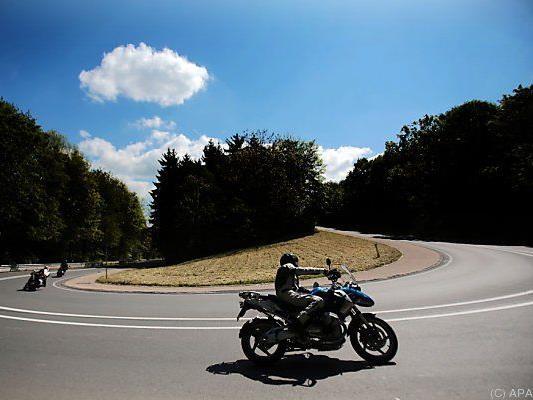 OGH: Vernünftige Biker tragen bei höherem Tempo Schutzkleidung