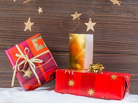 Herr und Frau Österreicher lassen sich Weihnachtsgeschenke einiges kosten