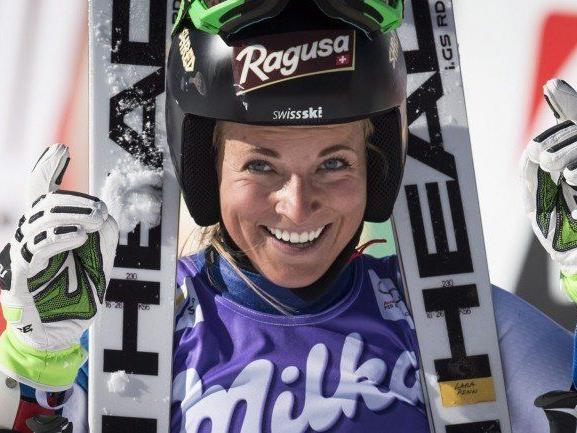 Lara Gut jubelt über den Sieg im Riesentorlauf.