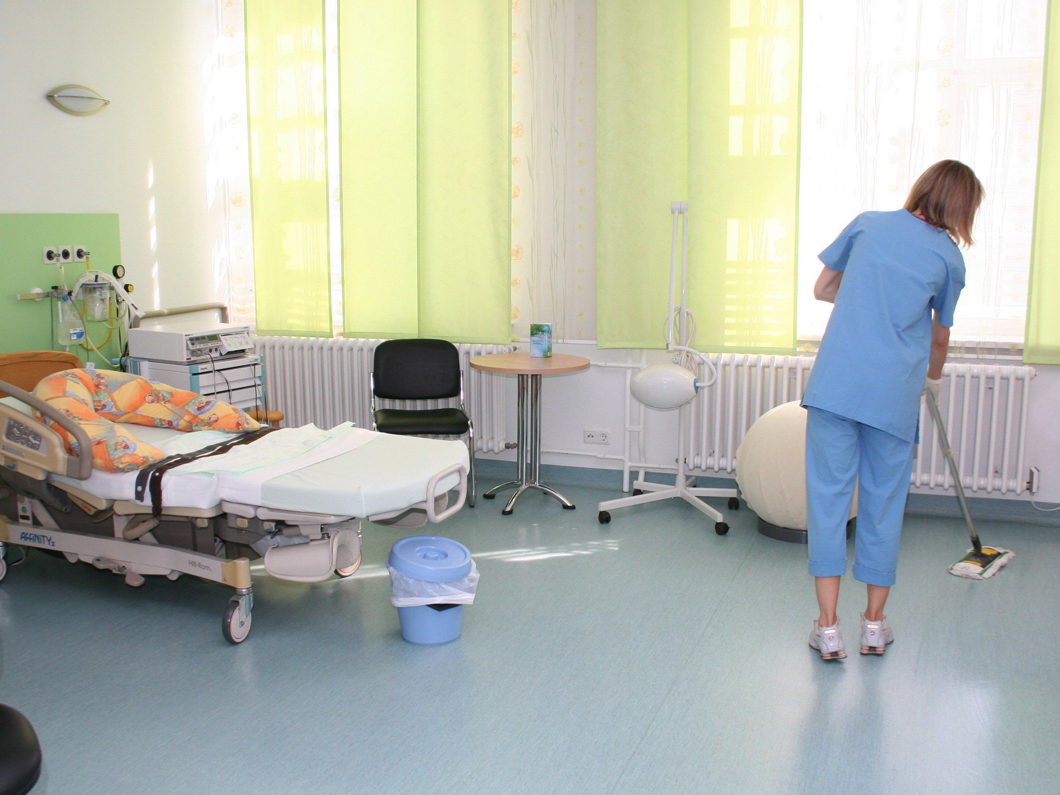 50-jährige Frau nahm zweijähriges Mädchen an sich und wollte Kinderstation verlassen.