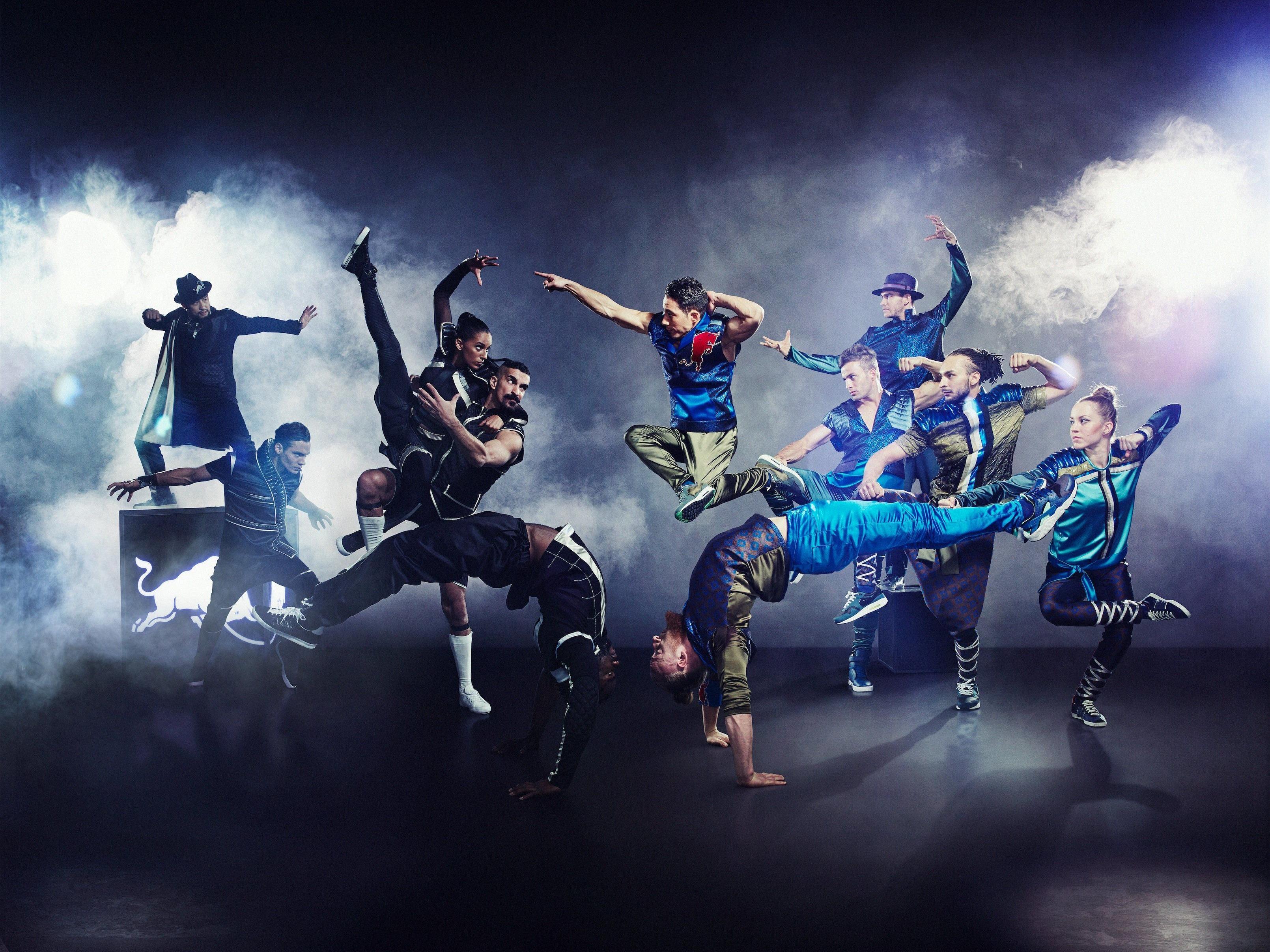 """Red Bull Flying Illusion"" kommt in die Stadthalle."