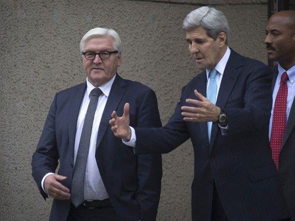 Der deutsche Außenminister Steinmeier mit John Kerry.