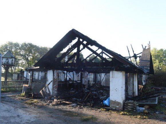 In diesem leerstehenden Lokal in Favoriten, einer Mostschenke, sind fünf Personen verbrannt