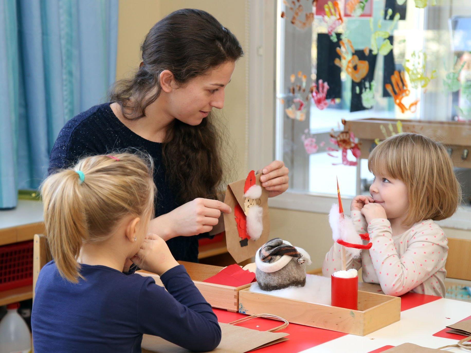 Die Nikolofeier ist ein besonderes Fest im Kindergarten.
