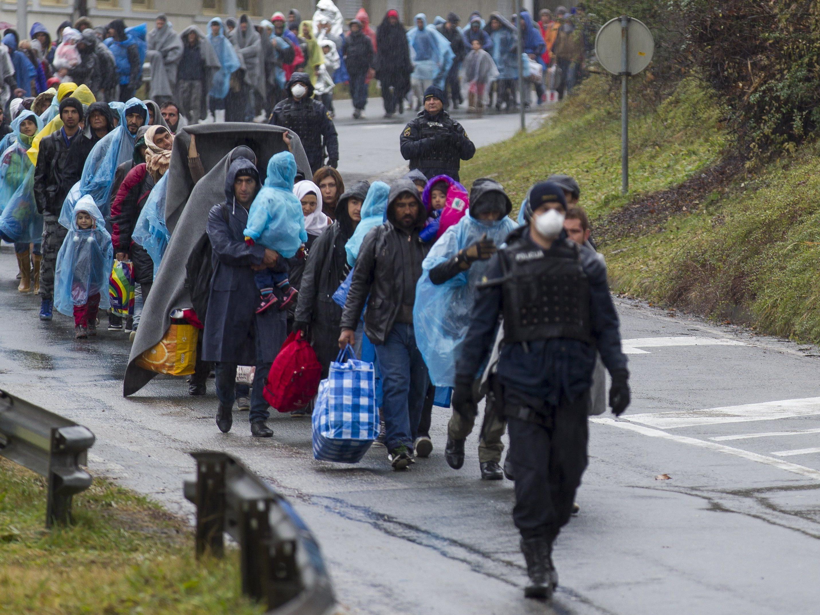 Flüchtlinge im Grenzgebiet von Spielberg.
