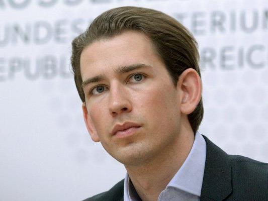 Integrationsminister Kurz wird von Ex-Parteikollegen Maier kritisiert.