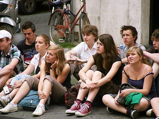 """Die jüngere Generation tendiert stärker zu sogenannten """"Deutschlandismen"""" als zum Österreichischen"""
