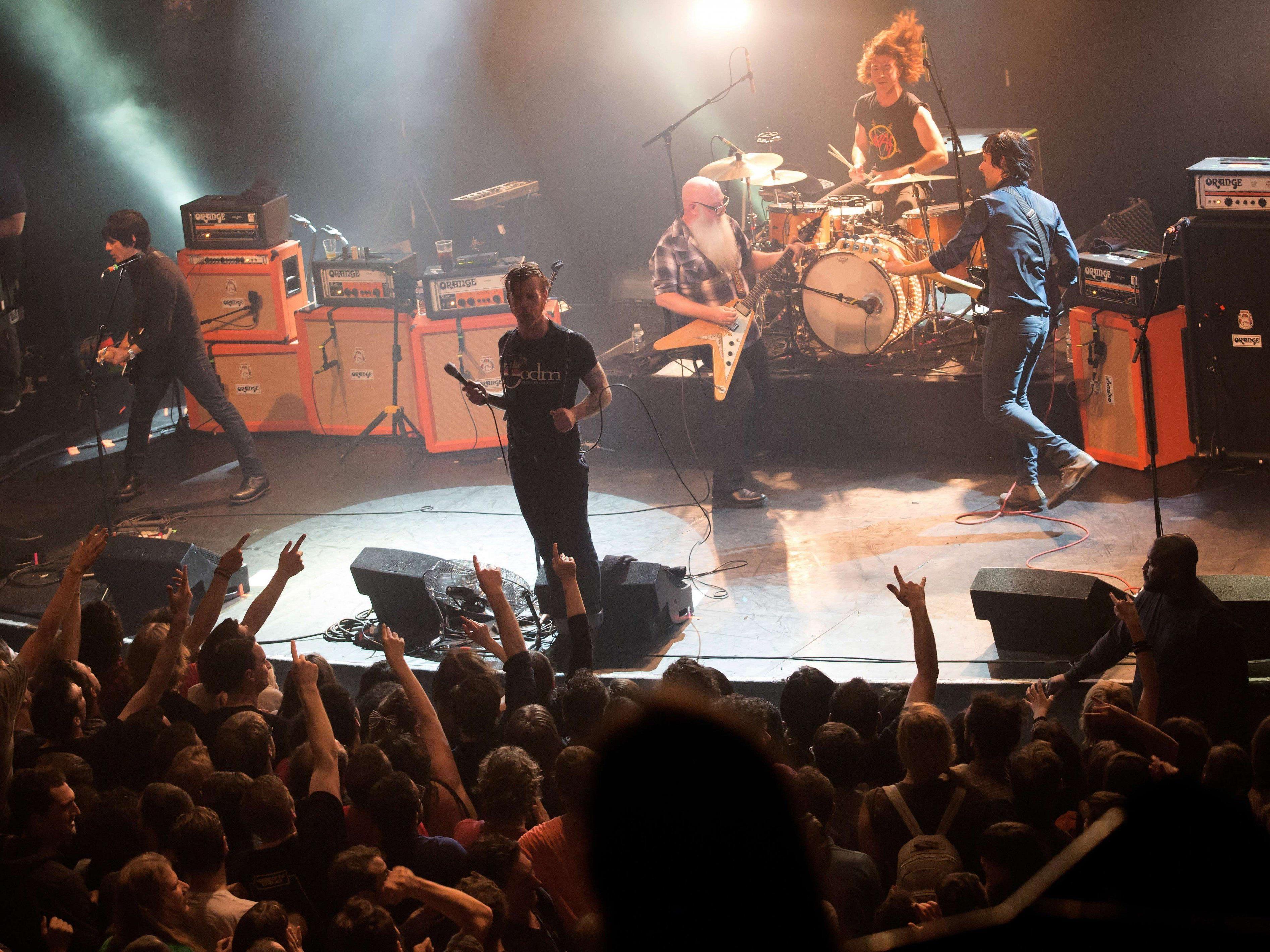 Das Eagles of Death Metal-Konzert am 13. November, kurz bevor bewaffnete Terroristen das Bataclan stürmten.