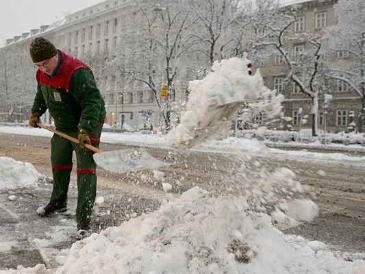 Schneeschaufeln wird man vielleicht nicht gleich müssen, aber einige Flocken sollen kommen
