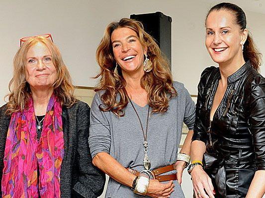 Brigitte Matzak, Fiona Swarovski und Maggie Entenfellner (Journalistin/ Tierecke) bei der Tierball-Pressekonferenz 2012