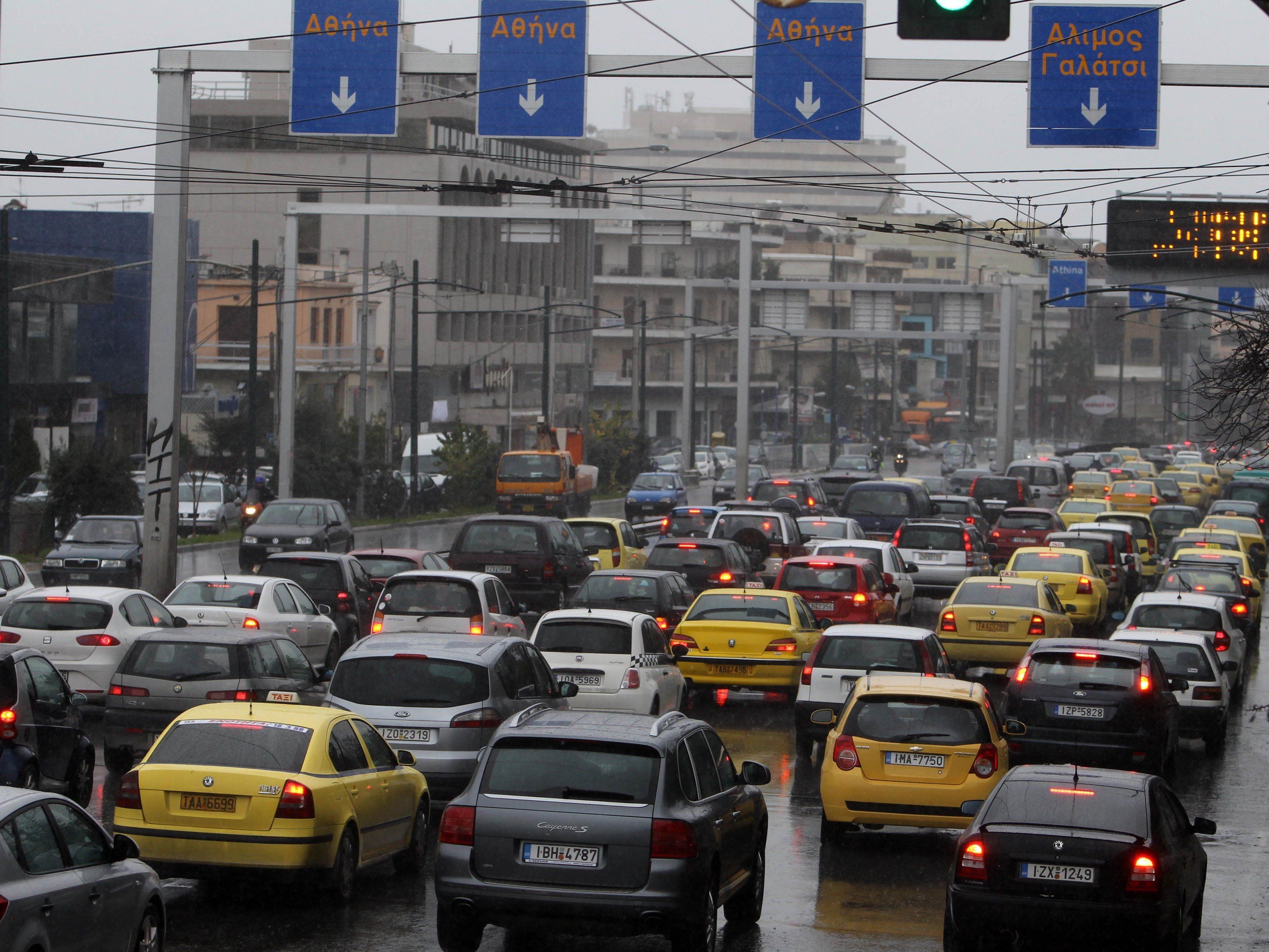 Ein eigenes Auto ist für viele Griechen nicht mehr zu finanzieren.