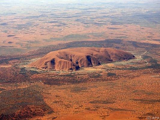 Der Uluru (Ayers Rock) in Australiens Outback ist ein Touristen-Magnet