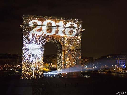 Paris begrüßte trotz Terrorgefahr das neue Jahr