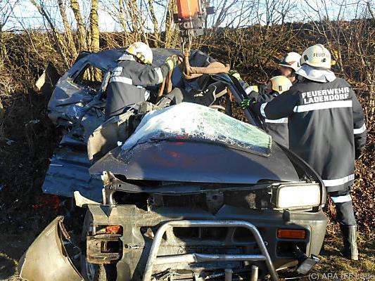 Das Auto der 45-Jährigen wurde völlig zerstört