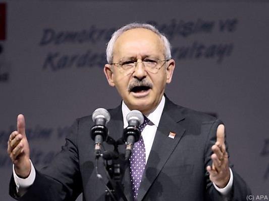 Oppositionsführer von Erdogan geklagt