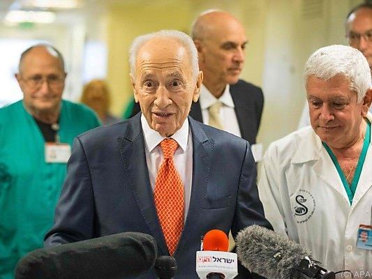 "Peres fühlt sich ""verjüngt"""