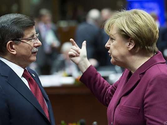 Merkel erwartet Davutoglu in Berlin