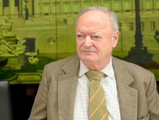Wird Andreas Khol für die Hofburg kandidieren?