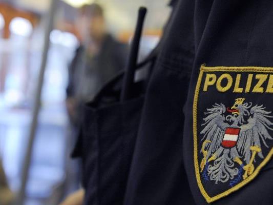 Die Wiener Polizei nahm beide Personen in Haft..