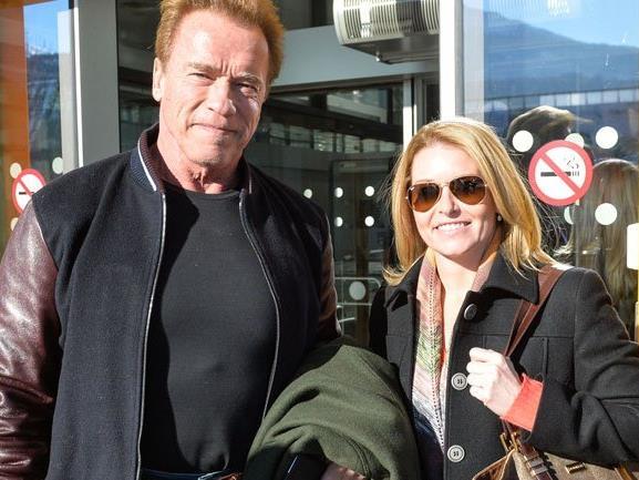 """""""Terminator"""" und Freundin Heather Milligan kamen mit Privatjet."""
