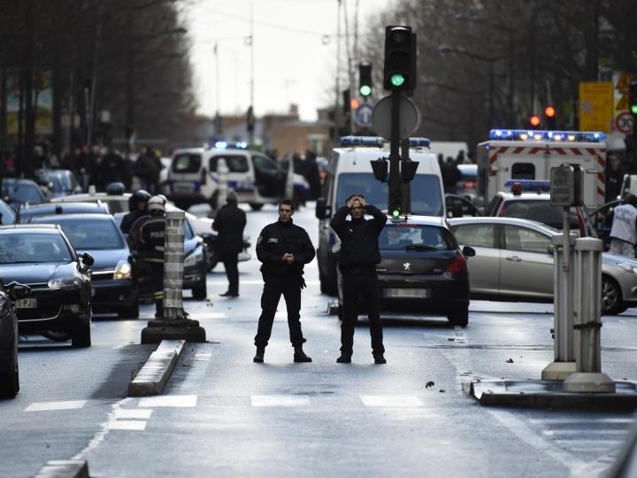 """Regierung: Mit Sprengstoffgürtel Bewaffneter rief """"Allah Akbar"""""""