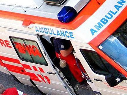 Das verletzte Kind wurde in ein Krankenhaus gebracht.