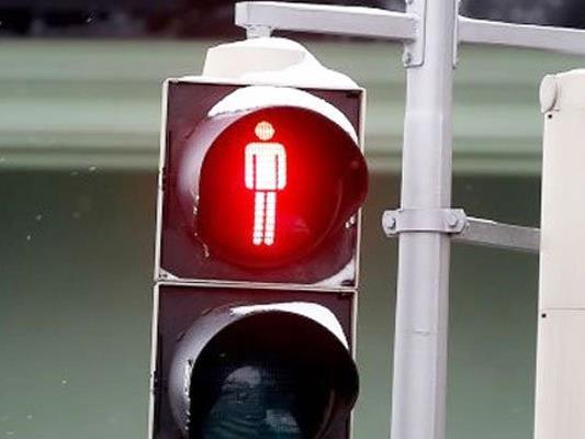 Die Frau hatte eine rote Ampel missachtet.