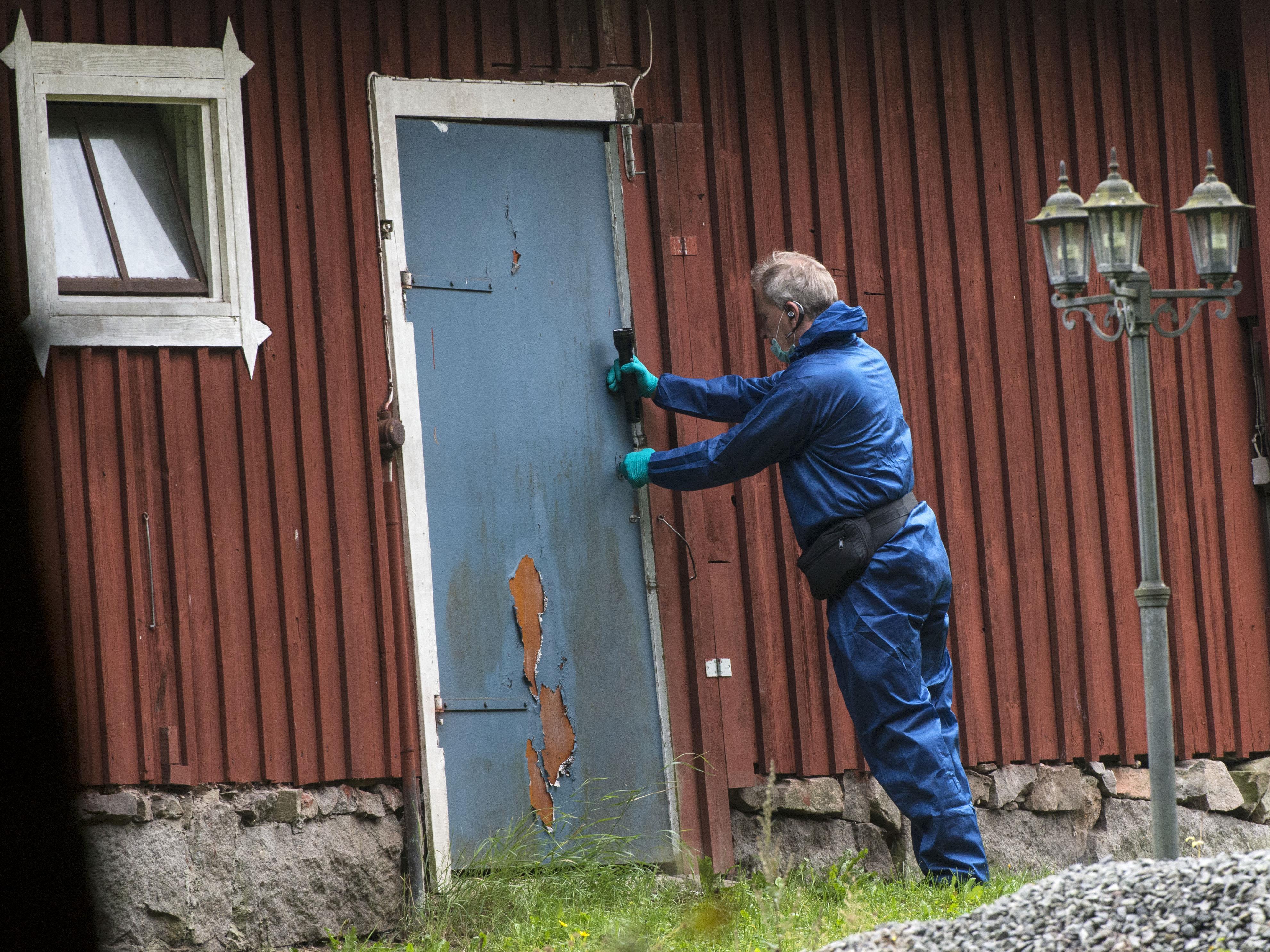 Schwedischer Arzt soll Frau in Bunker gesperrt haben.