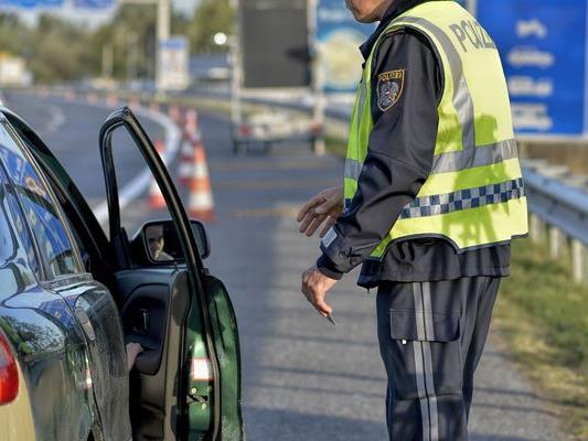 Die ungarische Polizei nahm einen Österreicher an der Grenze zu Serbien fest.