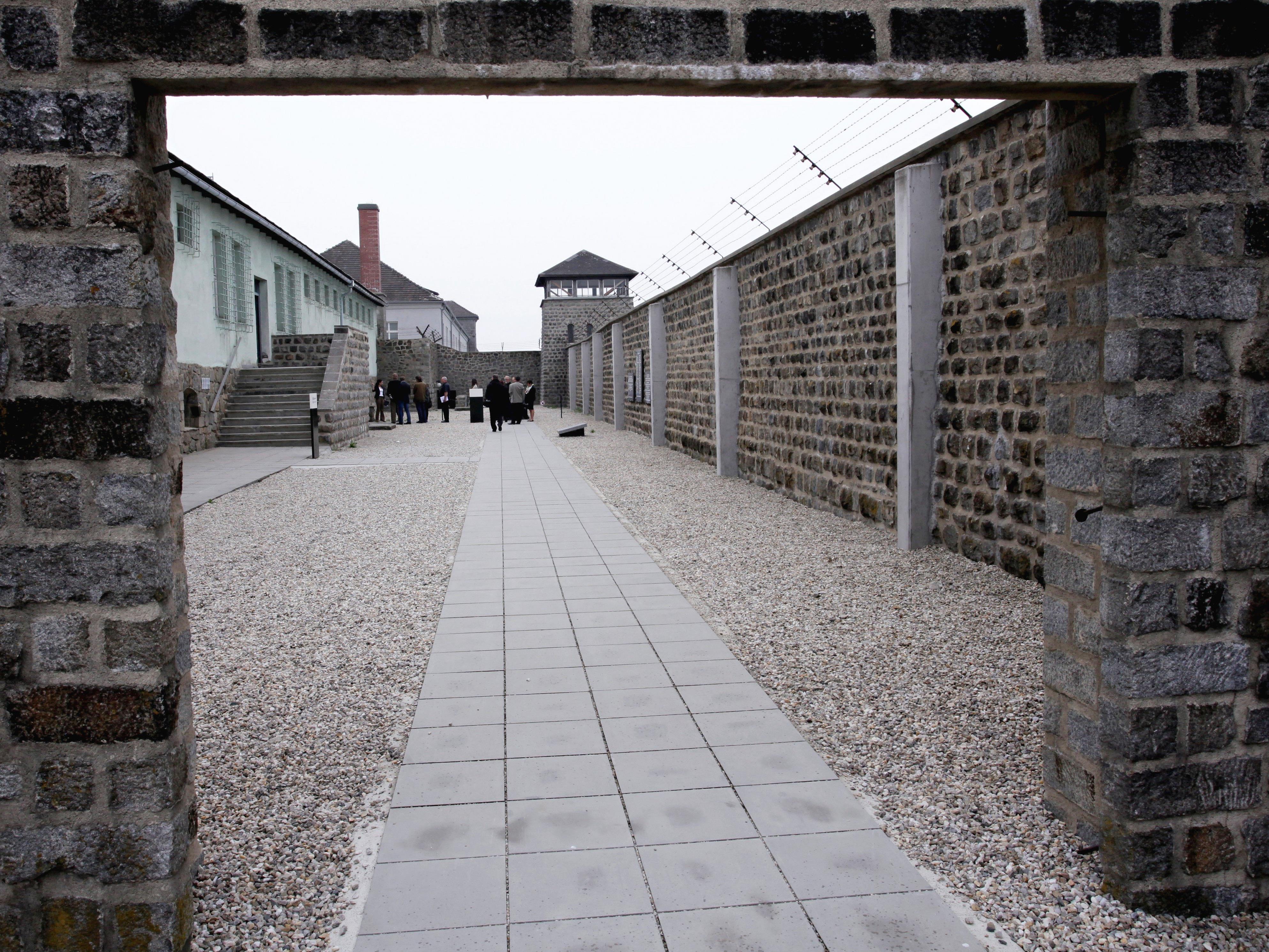 Blick in einen Hof des ehemaligen Konzentrationslagers Mauthausen.