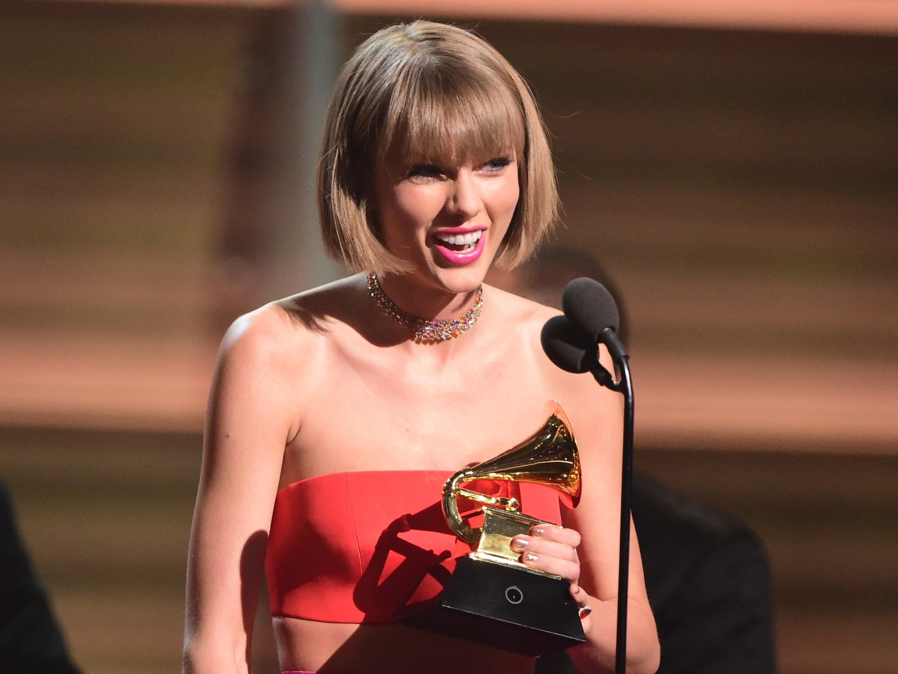 Insgesamt bekam Taylor Swift bei den Grammys drei Auszeichnungen.