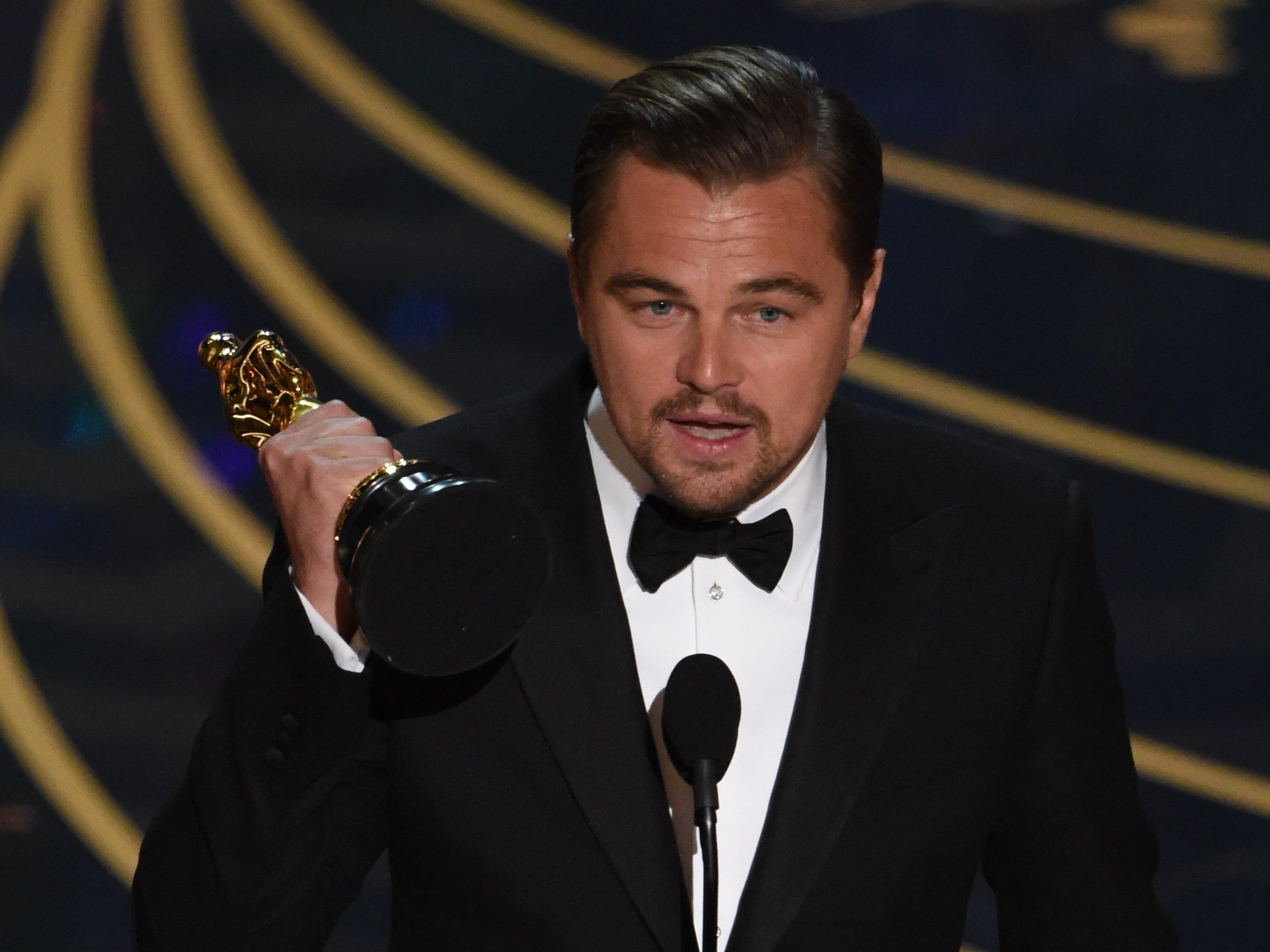 88. Oscars - Leonardo DiCaprio holt seinen Oscar als Hauptdarsteller